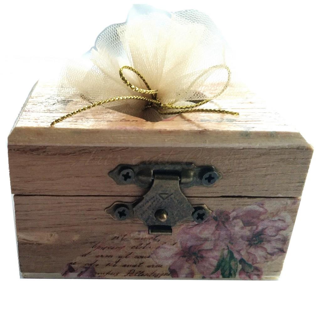 Cutiuta din lemn, inimioara, cu lavanda 8x5.5x4.5 cm - model 1