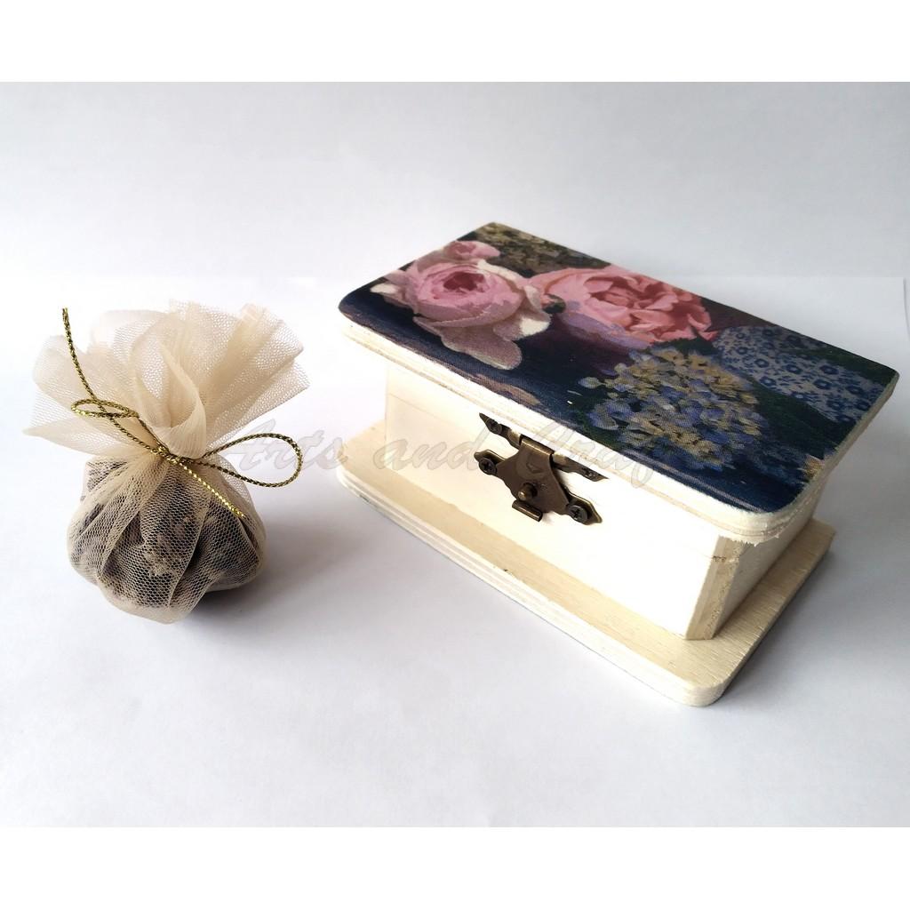 Cutiuta din lemn, cu lavanda 10x6x4.5 cm - model 5