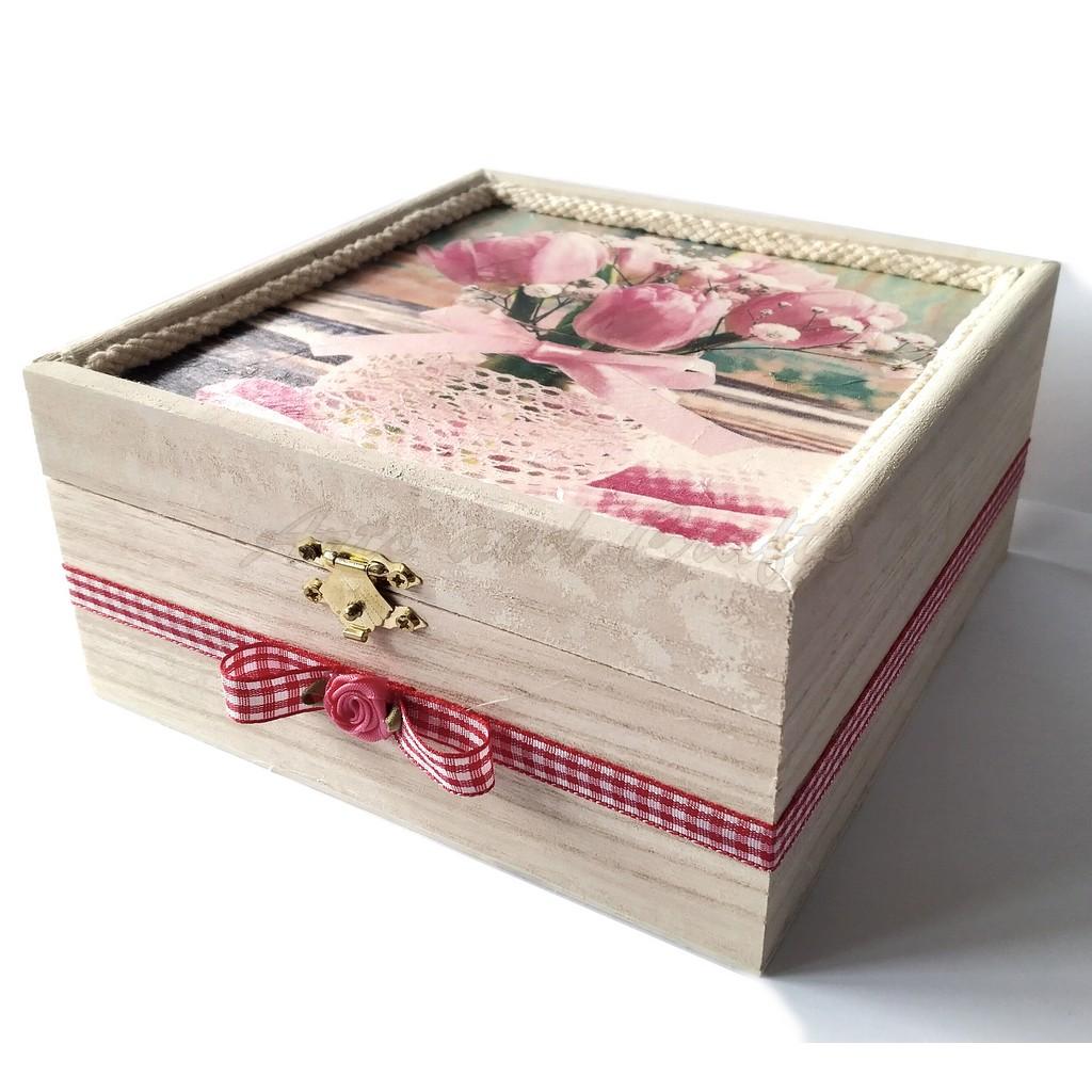 Cutiuta din lemn, cu lavanda 16,5x16,5x8 cm - model 12