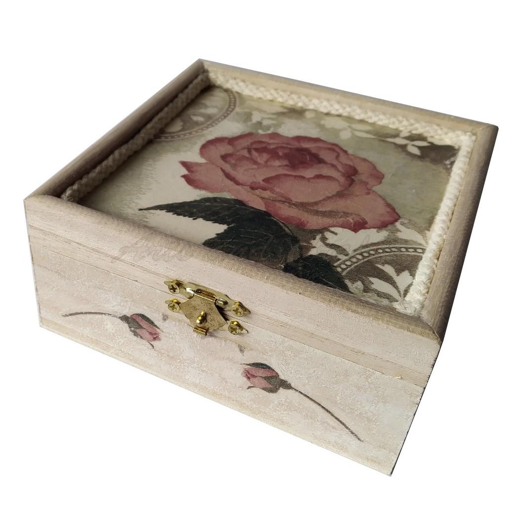 Cutiuta din lemn, cu lavanda 13,5x13,5x6 cm - model 11