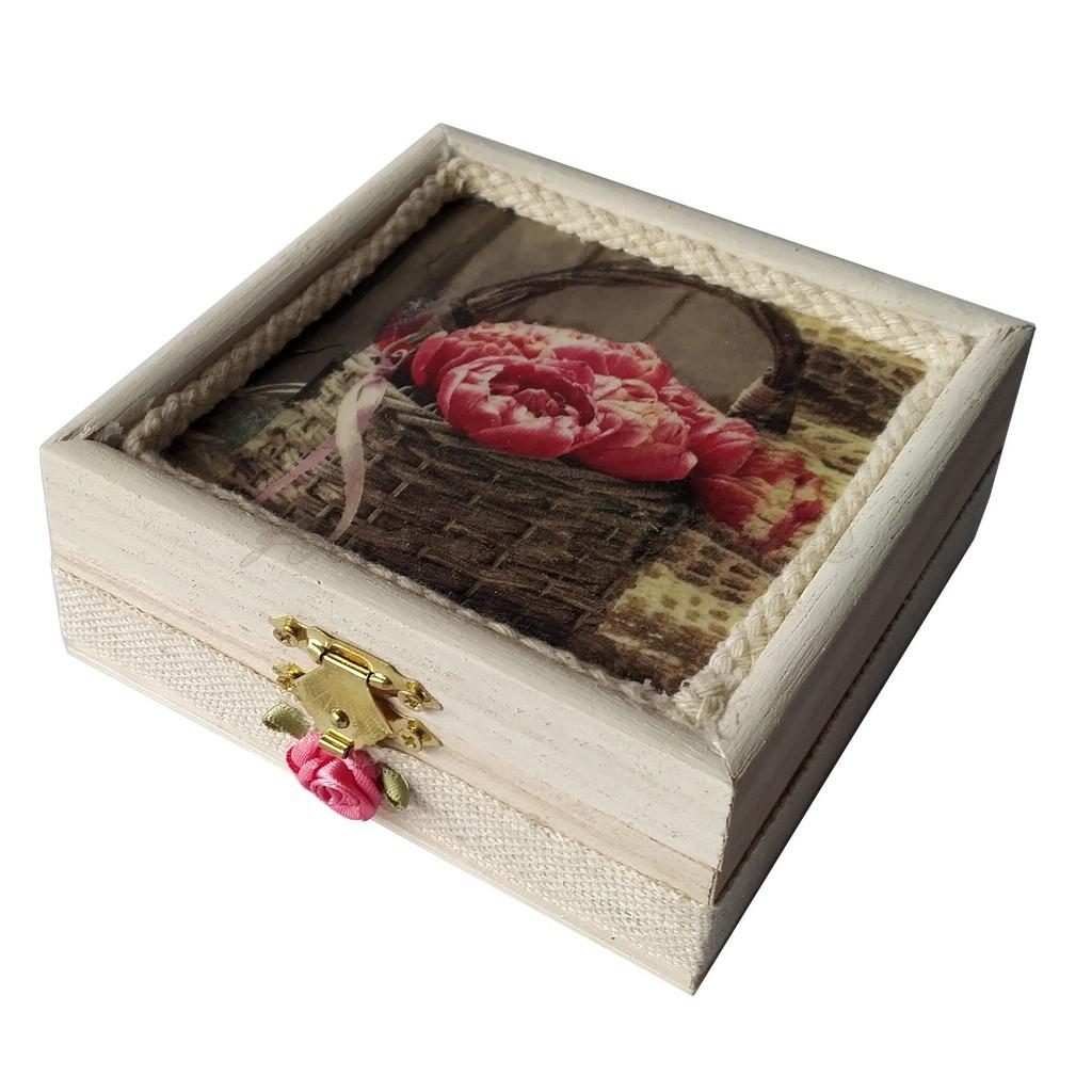Cutiuta din lemn, cu lavanda 11x11x4,5 cm - model 10